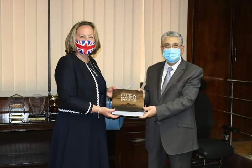 وزير الكهرباء والطاقة المتجددة يلتقى مع وزيرة التجارة والطاقة البريطانية