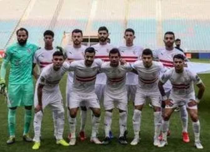 عماد عبدالعزيز يحفز لاعبى الزمالك قبل مواجهة بطل الجزائر