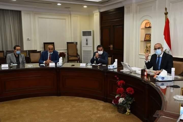 وزير الإسكان يستعرض مقترح المخطط التفصيلي العام للمدخل الجنوبى لمدينة الجيزة