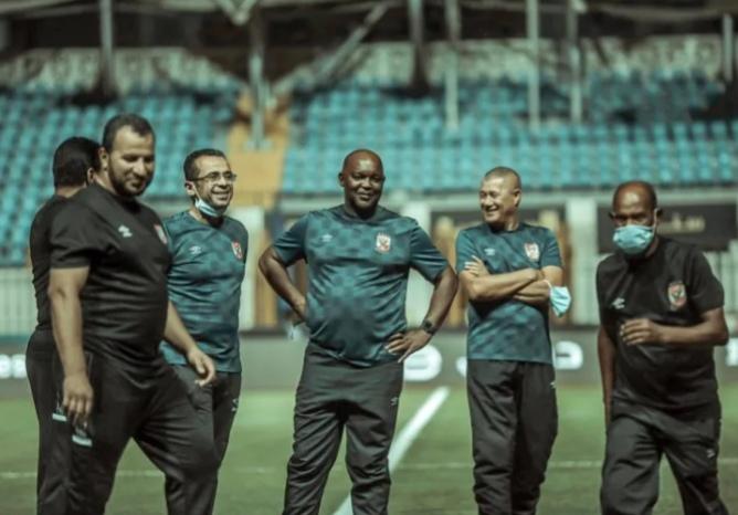 المدير الفني للأهلى يستقر على ضم محلل الأداء الجديد للفريق الأحمر