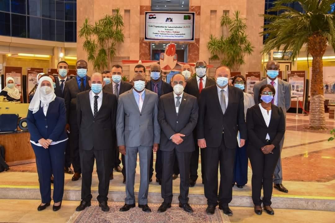 رئيس العربية للتصنيع يستقبل وفد دولة زامبيا لتعزيز التعاون فى المجالات الصناعية المختلفة وتبادل الخبرات