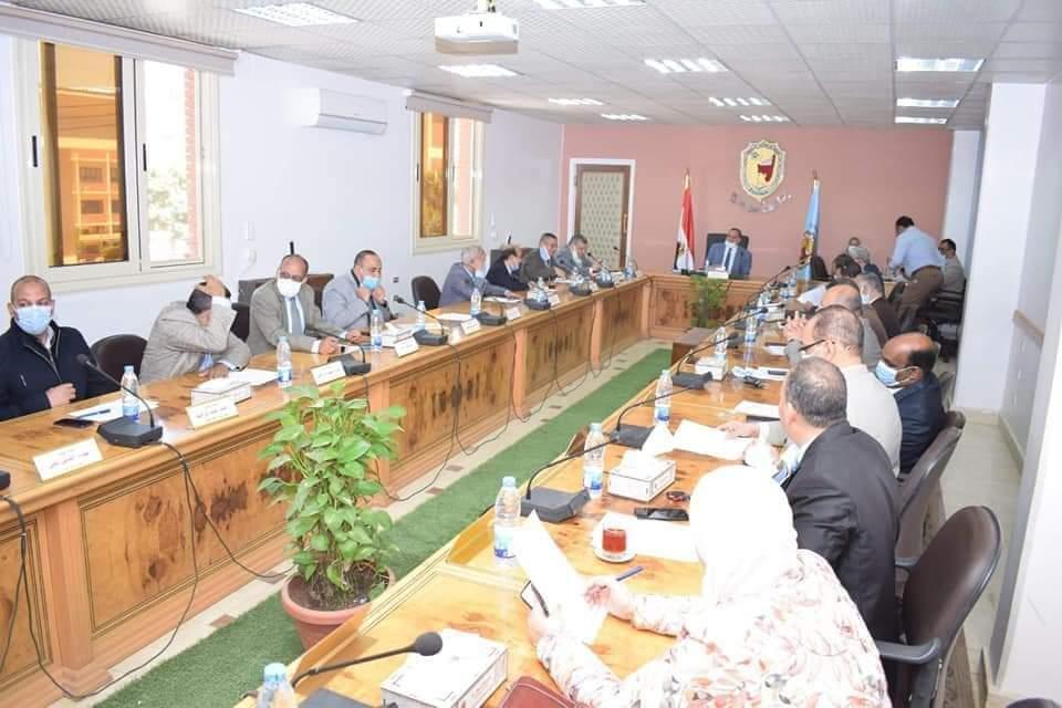 مجلس جامعة سوهاج يعلن مواعيد حضور الطلاب خلال شهر رمضان ويوافق علي البرنامج التدريبي للترشح لمنصب عميد