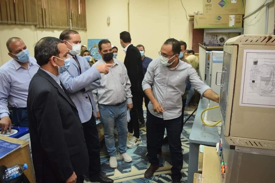 جامعة سوهاج تفتتح معمل هندسة النانو بكلية تكنولوجيا التعليم بتكلفة ٤٠٠ ألف جنيه