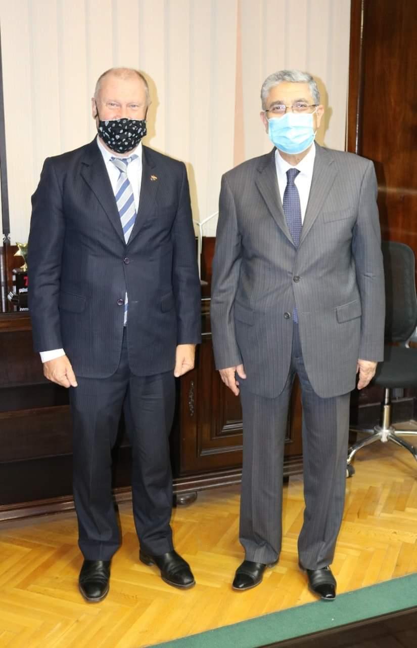 وزير الكهرباء والطاقة المتجددة يبحث مع سفير استراليا لدى جمهورية مصر العربية سبل دعم وتعزيز التعاون