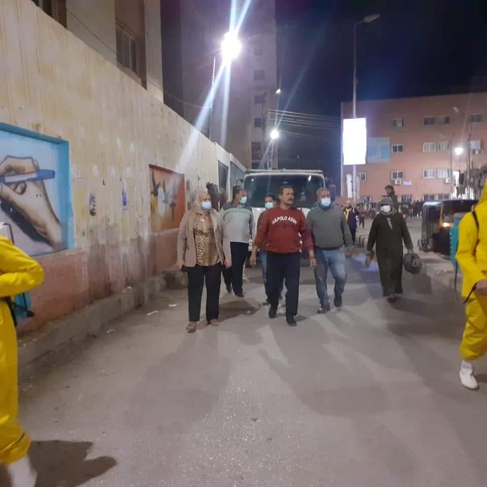 تكثيف أعمال التطهير والتعقيم بالفترة المسائية بمدينة طهطا