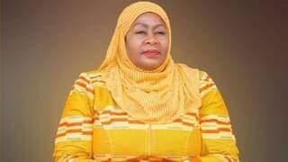 سامية حسن صلوحي، نائب رئيس تنزانيا الراحل أول رئيسة إفريقية مسلمة ومحجبة