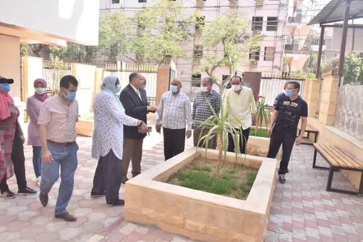 محافظ أسيوط يواصل جولاته الميدانية بتفقد أعمال التطوير بمقر الفرع الرئيسي لمكتبة مصر العامة
