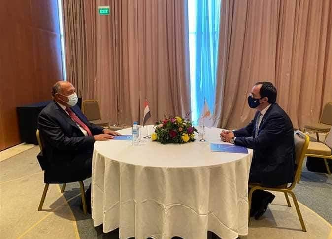 سامح  شكري  ونظيره القبرصي يتباحثان التعاون الثنائي  والقضايا الإقليمية للبلدين