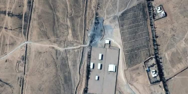 صور تكشف آثار الضربات الأمريكية على مواقع ميليشيات تدعمها إيران
