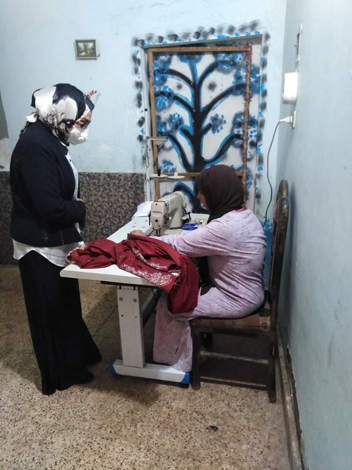 رئيس مجلس أدارة مؤسسة المنى تتابع سير مشروعاتها الخيرية بسوهاج