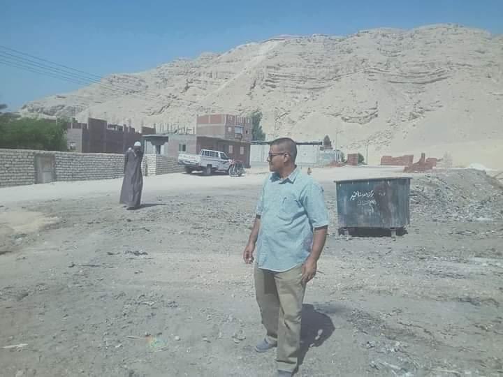 حملة مكبرة لرفع وإزالة القمامة بقرية  السلامونى