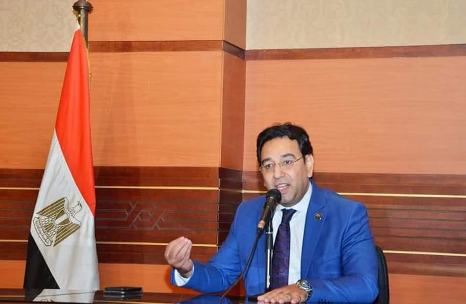 النائب أيمن محسب يتقدم بطلب إحاطة بسبب تكدس المواطنين أمام مكاتب البريد