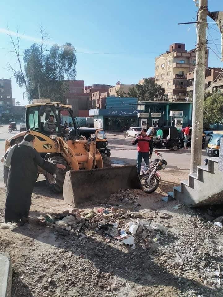 خلال شهر مارس الماضي محافظة الفيوم: رفع 43 ألف طن قمامة بمراكز وقرى المحافظة