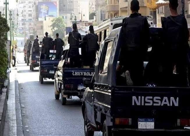 بسوهاج حملة للأمن العام تسفر عن ضبط ٣ بندقية آليه و٨ خرطوش وضبط سيدتان للإتجار بالمخدرات